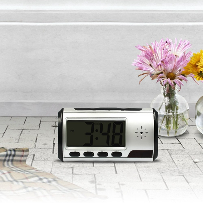 Remote Control Wifi Camera Clock Full HD 720P P2P Network For Home / Office Security